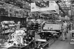 Land Rover Production shot at Solihull 1950s R-2546-2